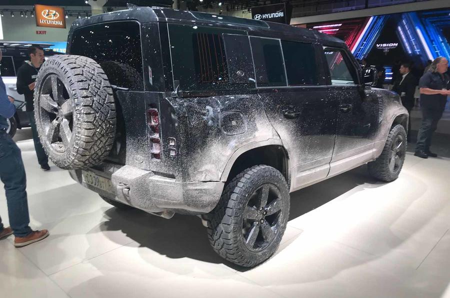 Land Rover Defender bond car rear siee