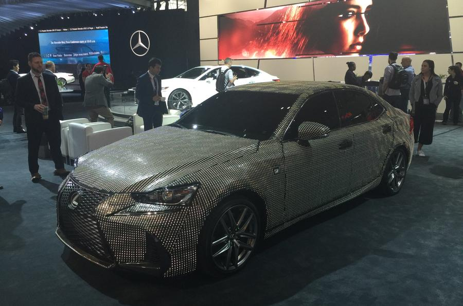 Lexus IS microchips
