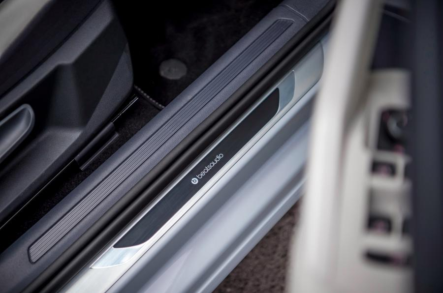 VW Polo Beats 1.6 TDI door sill