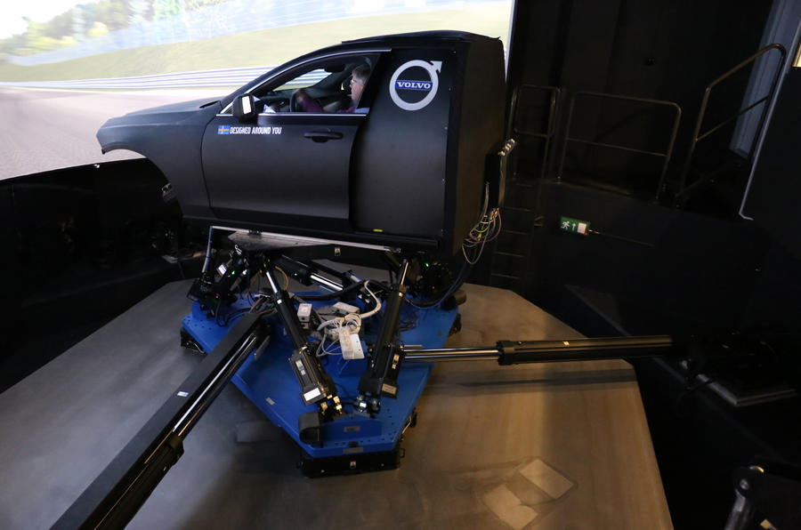 Trying out Volvo's XC60 chassis simulator