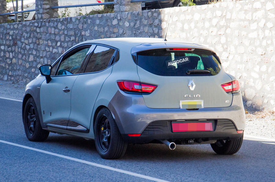 2019 Renault Clio spotted testing in current model body ...