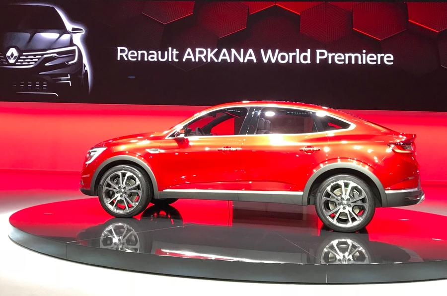 Renault launches Arkana coupe crossover at Moscow motor ...
