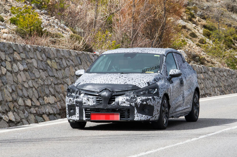 2019 Renault Clio: new pictures show Megane design influence