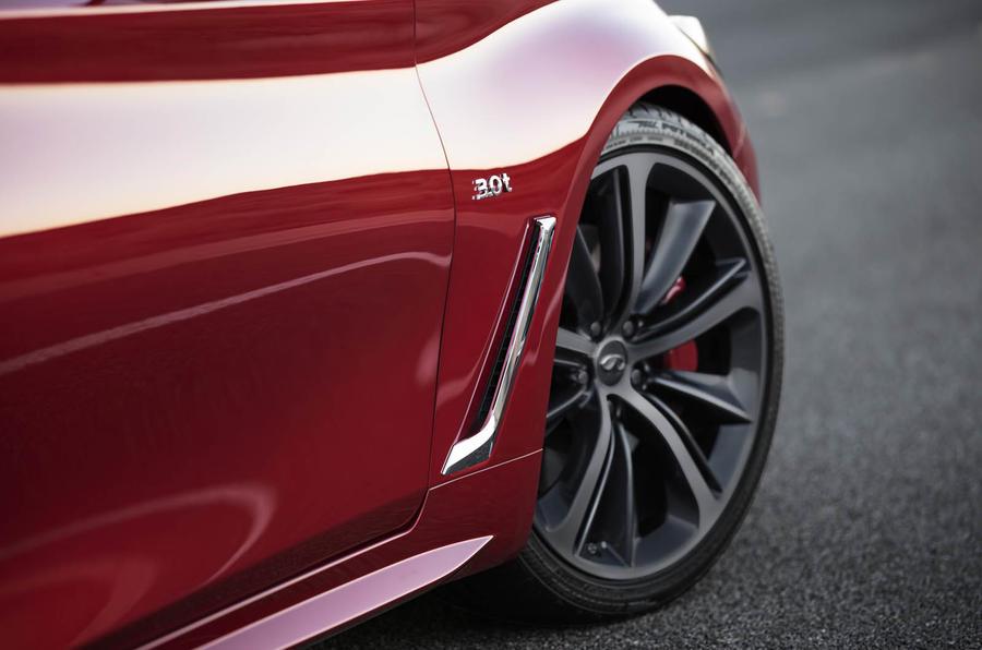 Infiniti Q60 S 3.0T Sport Tech alloy wheels