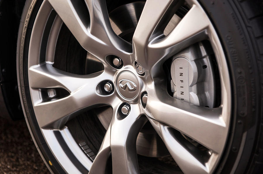 18in Infiniti Q70 alloy wheels