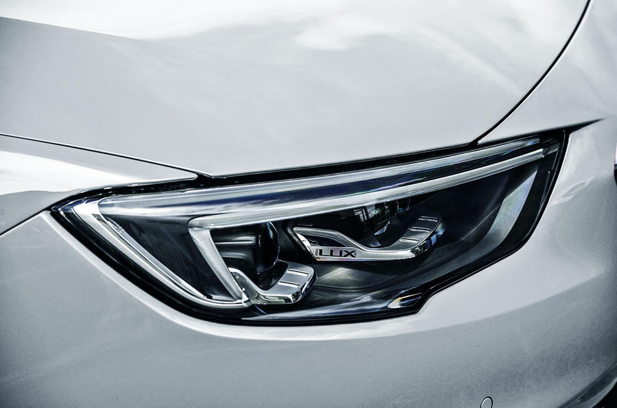 Vauxhall Insignia Sports Tourer LED headlights