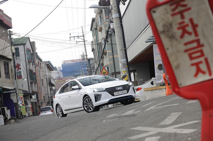 Hyundai Ioniq HEV in town