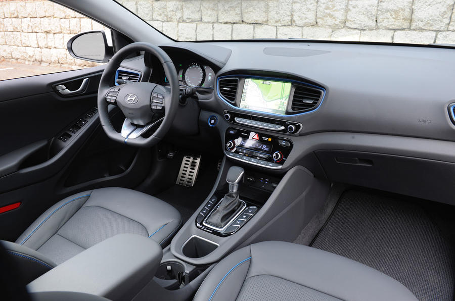 Hyundai Ioniq HEV interior