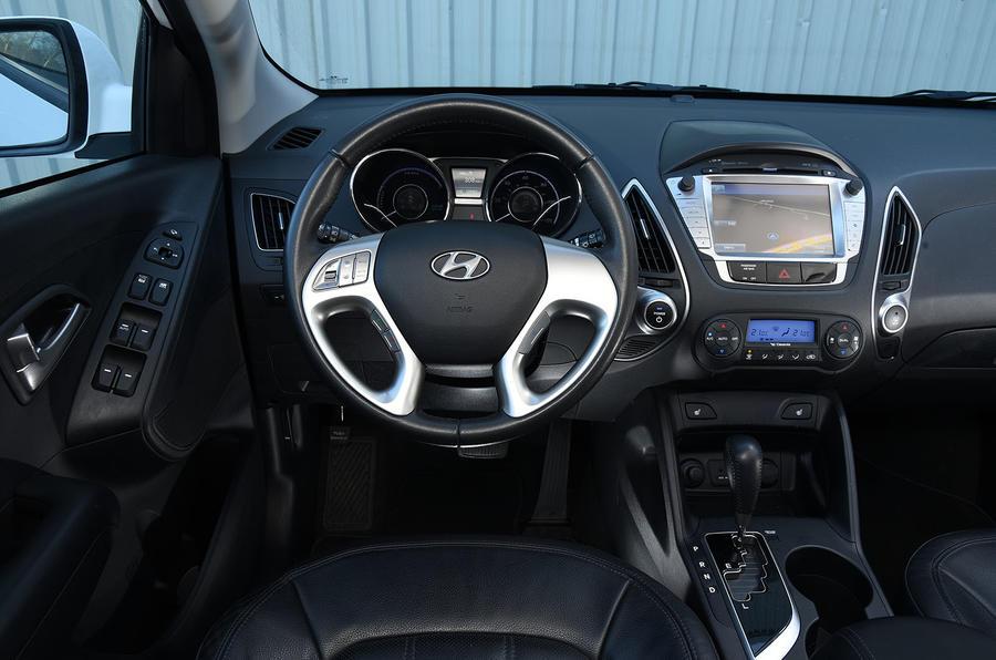 Hyundai ix35 FCV dashboard
