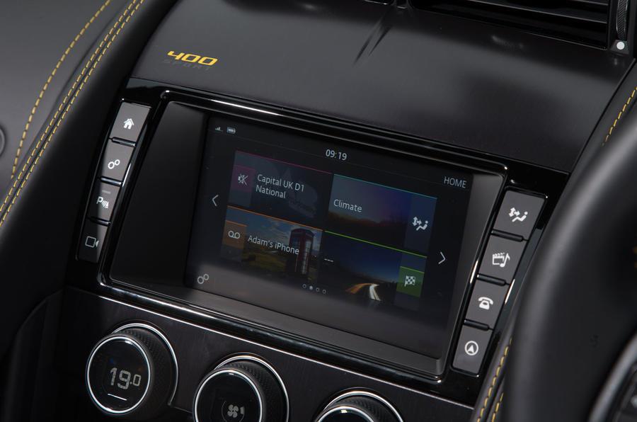 Jaguar F-Type 400 Sport infotainment system