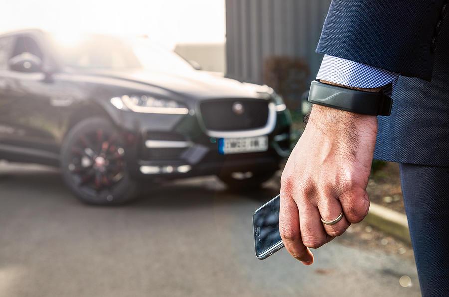 Jaguar Android watch connectivity