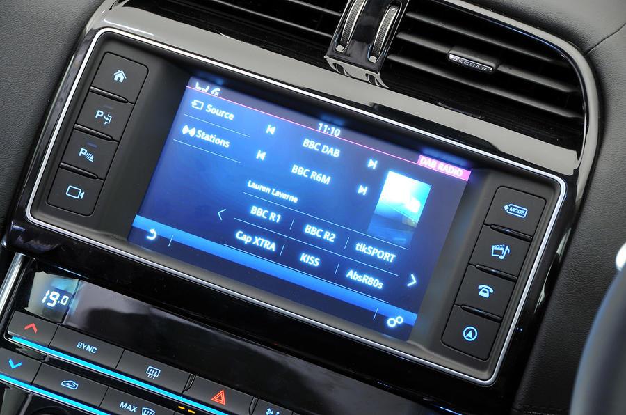 Jaguar Incontol infotainment