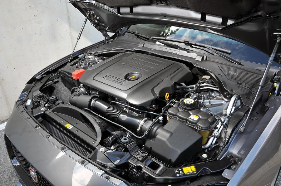 2015 Jaguar XF 2.0 i4D 180 R-Sport auto review review ...