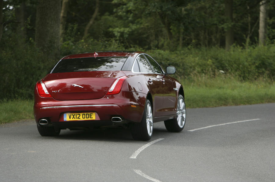 Jaguar XJ cornering - rear