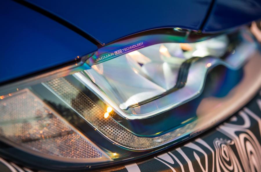 Jaguar F-Pace LED day-running-lights