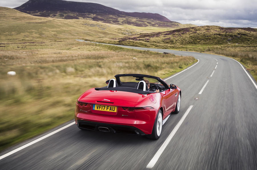 Jaguar F-Type Convertible 2.0 i4 rear