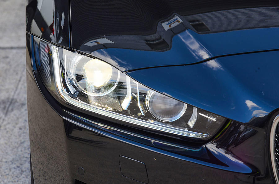 Jaguar XE 25d AWD headlights