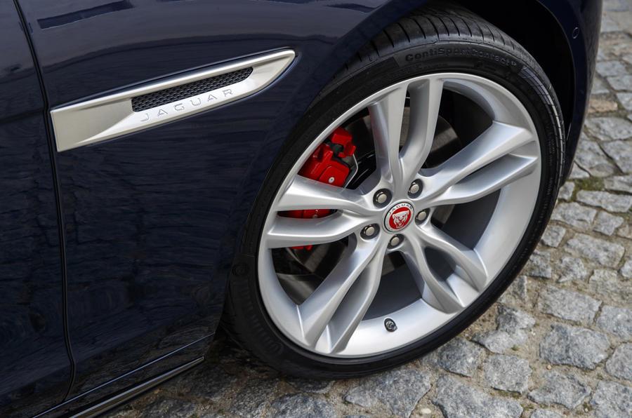 Jaguar XF Sportbrake TDV6 alloy wheels
