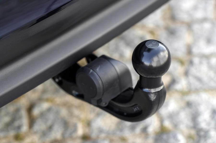 Jaguar XF Sportbrake TDV6 towbar