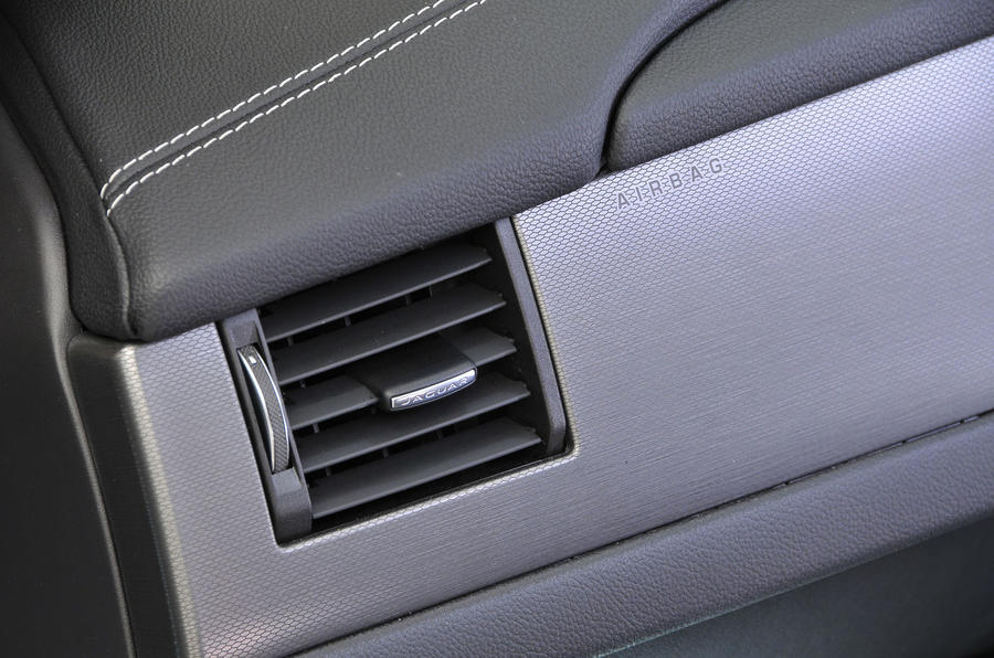 Jaguar XF revolving air vents
