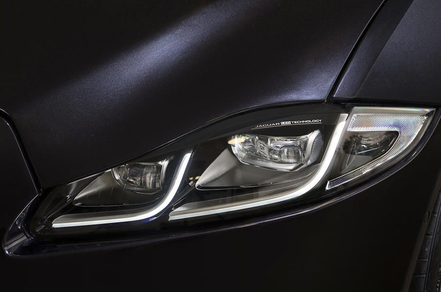 Jaguar XJ LED headlights