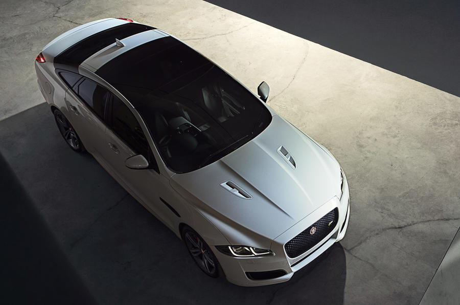 Jaguar XJR top profile