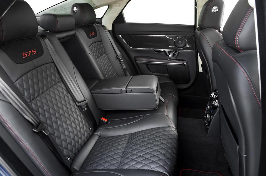 Jaguar XJR 575 rear seats