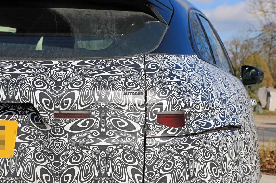 Jaguar F-Pace facelift spies taillight