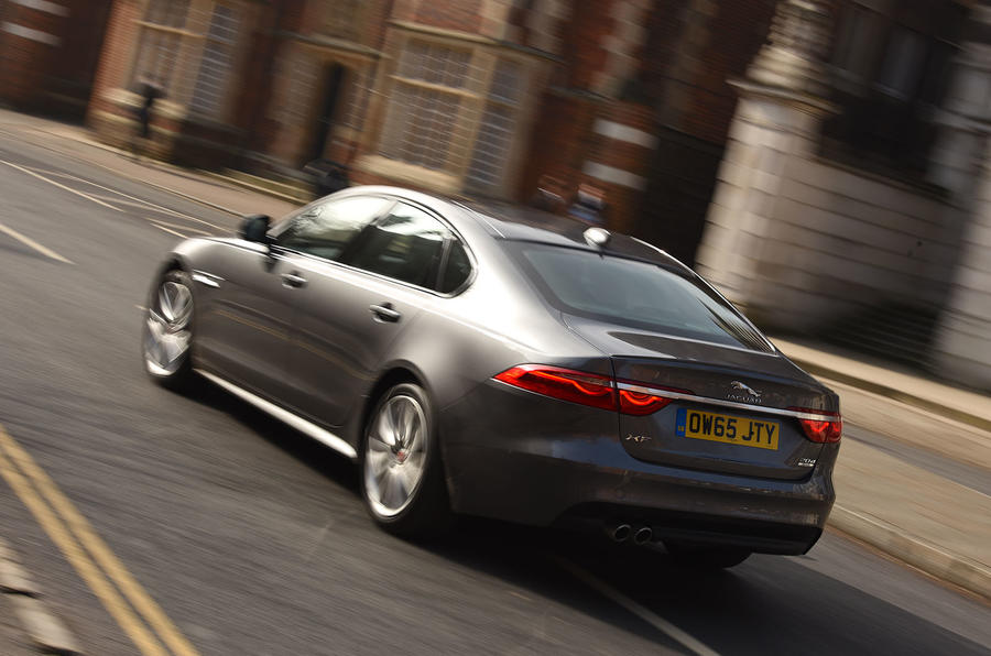 Jaguar XF 2.0d AWD rear
