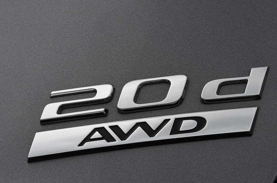 Jaguar XF 2.0d AWD badging