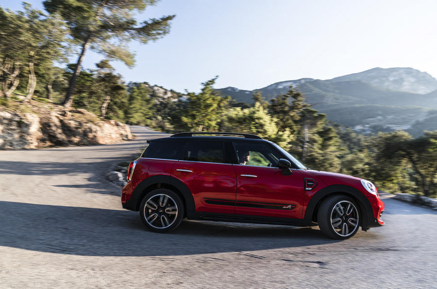 Mini Countryman JCW cornering