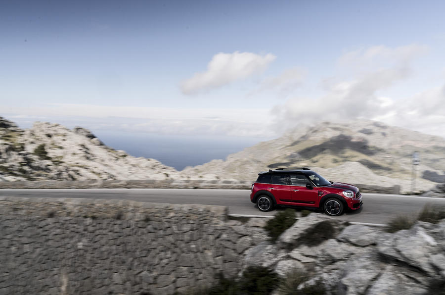 Mini Countryman JCW on the move