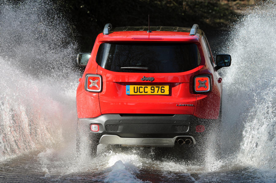 Jeep Renegade rear in water