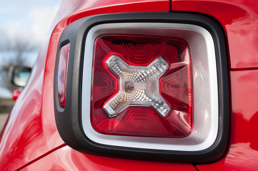 Jeep Renegade rear lights