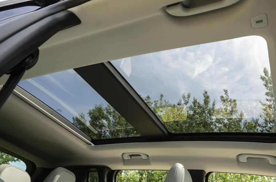 Jeep Renegade 2018 review sunroof