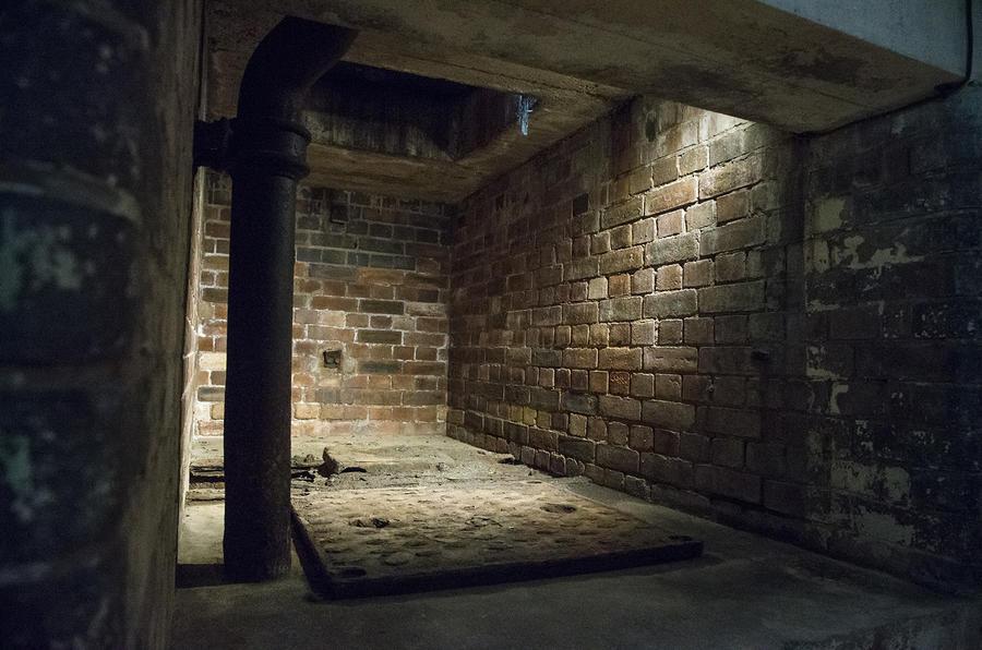Jaguar F Type S >> Inside the secret morgue at Jaguar Land Rover's Castle ...