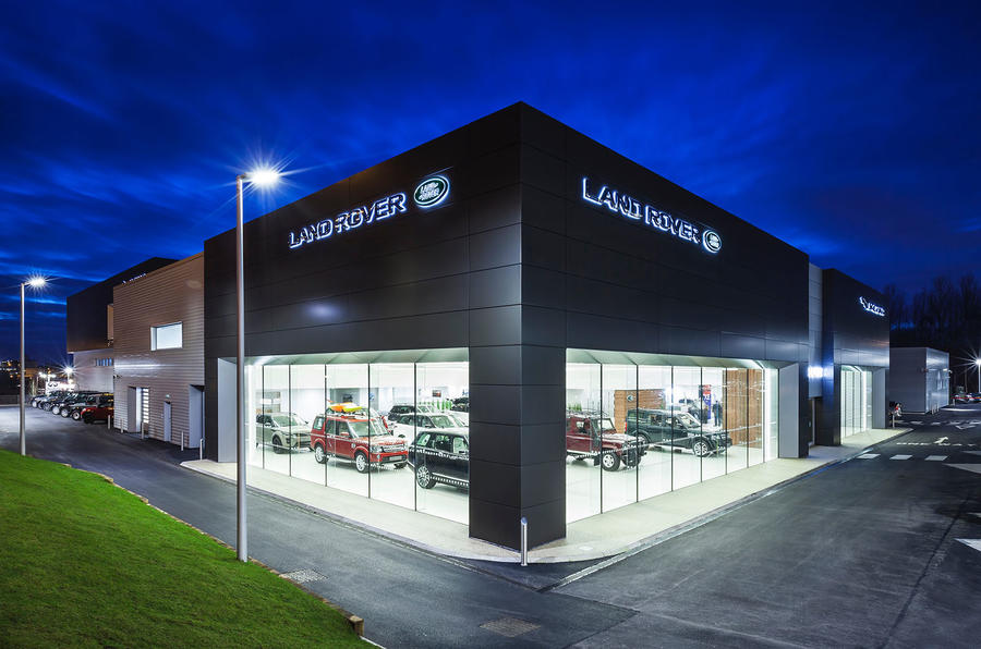 Jaguar land rover to embark on retail revolution autocar for Land rover tarbes garage moderne