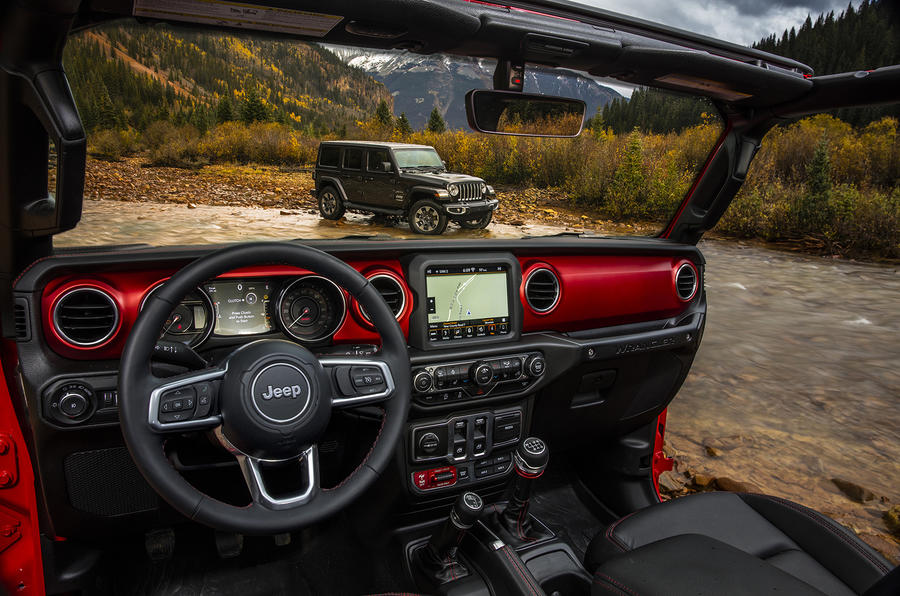 2018 Jeep Wrangler interior revealed