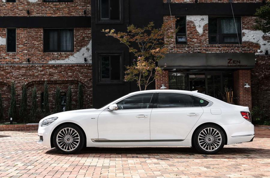 A Drive In The Kia K900 Korea S Answer To The S Class Autocar