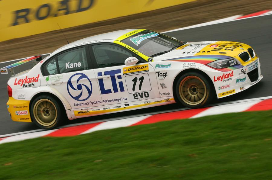 Steven Kane took a sole win in a BMW 320si in 2010