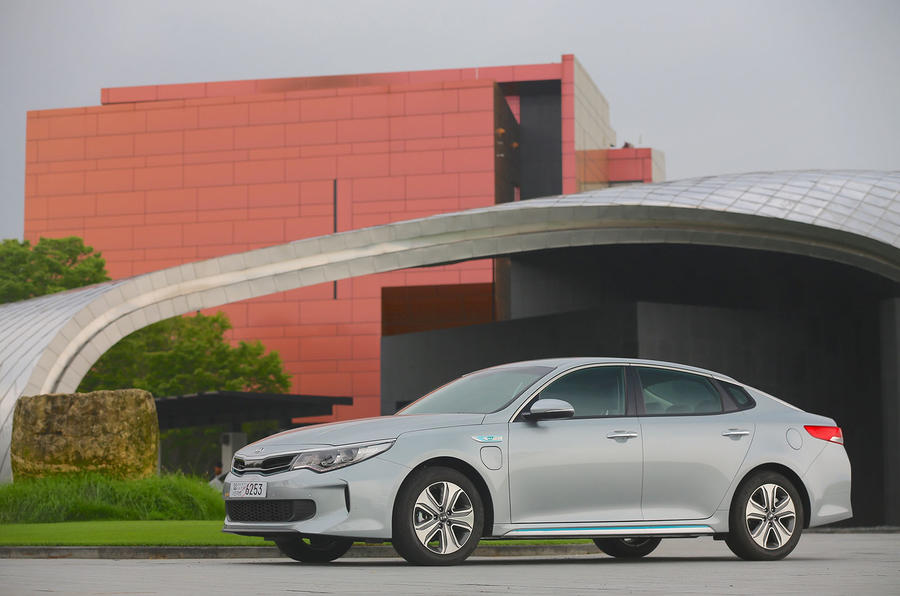 3 star Kia Optima PHEV