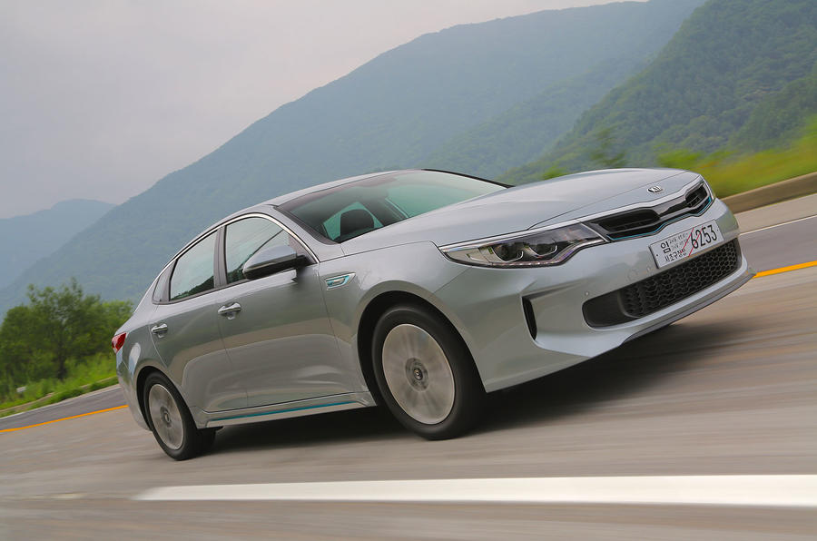 Kia Optima PHEV front quarter