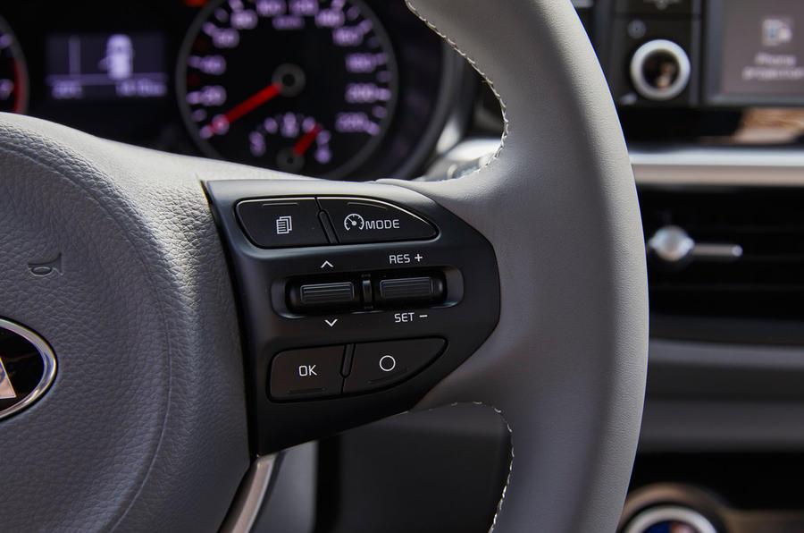 Kia Picanto steering wheel controls