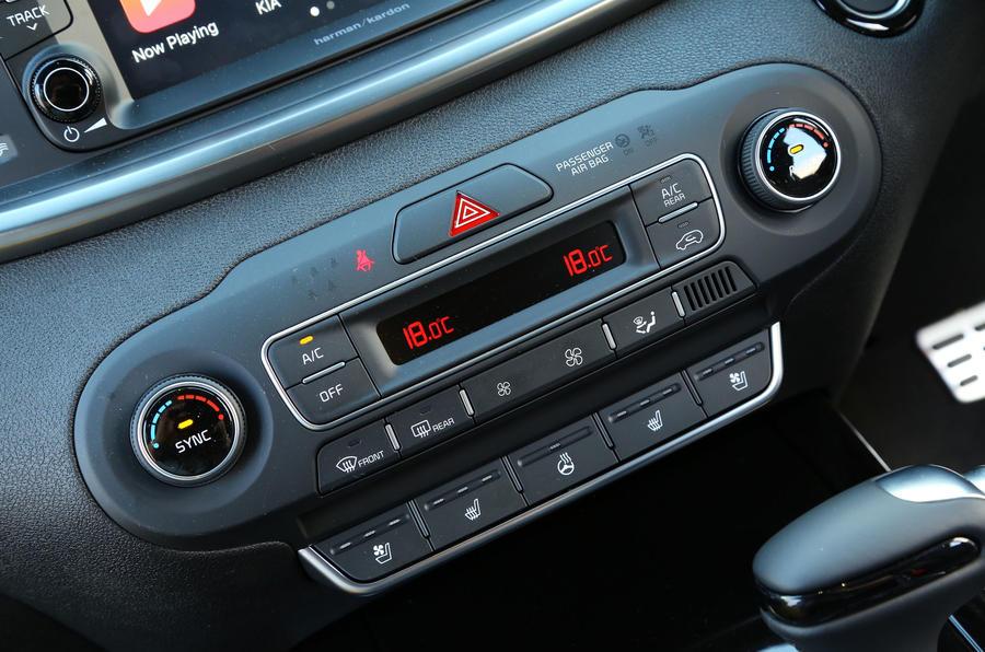 Kia Sorento CRDi GT-Line S 2018 review climate control