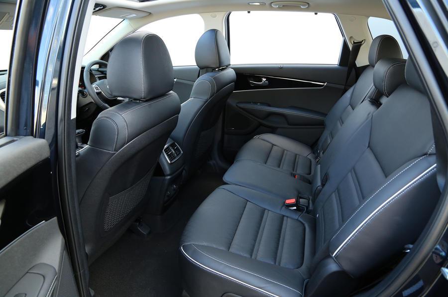 Kia Sorento CRDi GT-Line S 2018 review second row seats