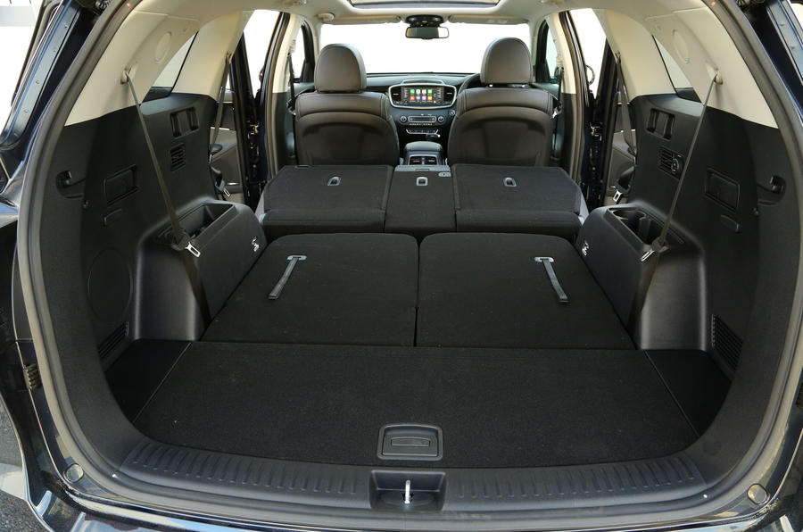 Kia Sorento CRDi GT-Line S 2018 review boot space all seats folded