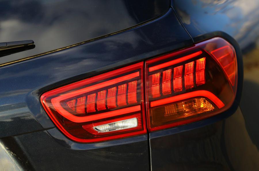 Kia Sorento CRDi GT-Line S 2018 review rear lights