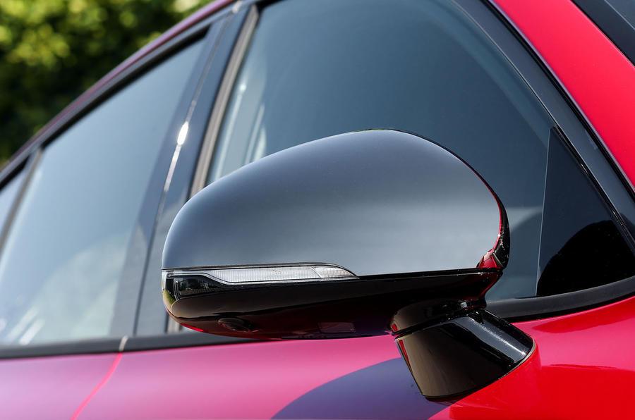 Kia Stinger GT wing mirror