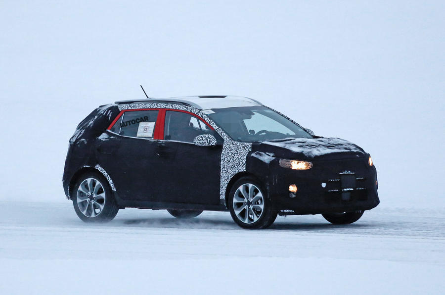 Kia Stonic - first pictures of upcoming Nissan Juke rival