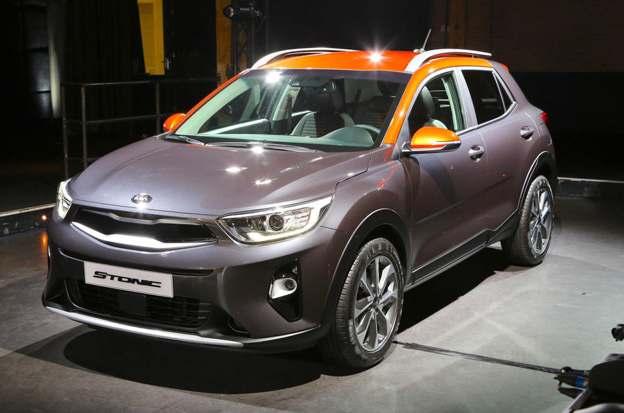 Kia stonic priced from 16 295 autocar for Interieur kia stonic